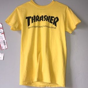 THRASHER TEE SIZE: SMALL